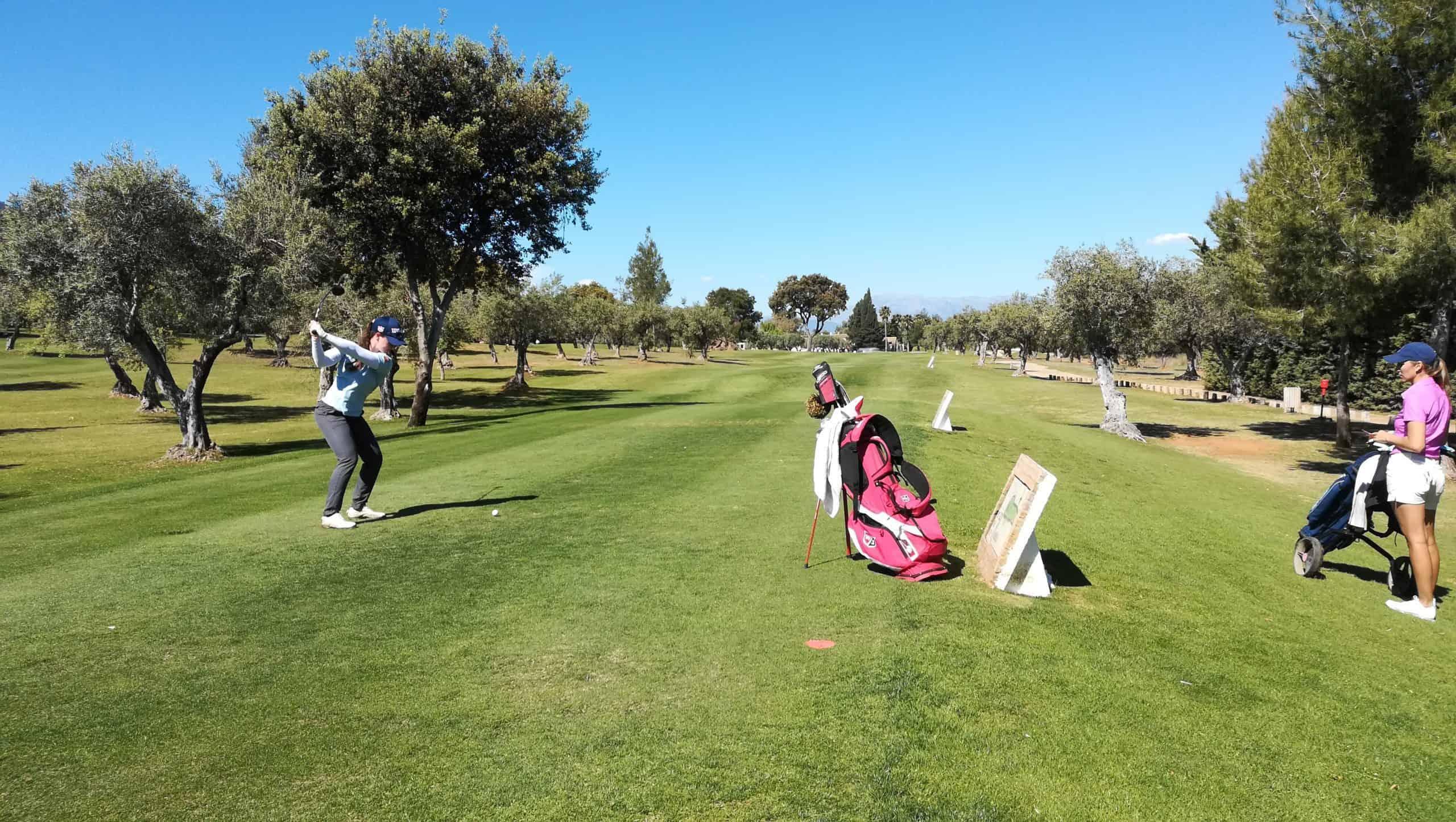 Nuria Iturrios durante el Santander Golf Tour de Lauro Golf en 2019